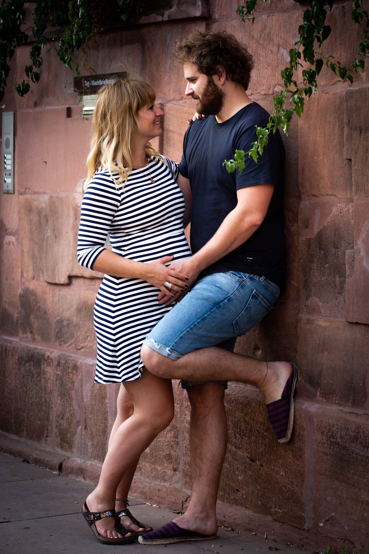Portrait Paar mit Babybauch in Ettlingen - Fotografin Anja Schnell