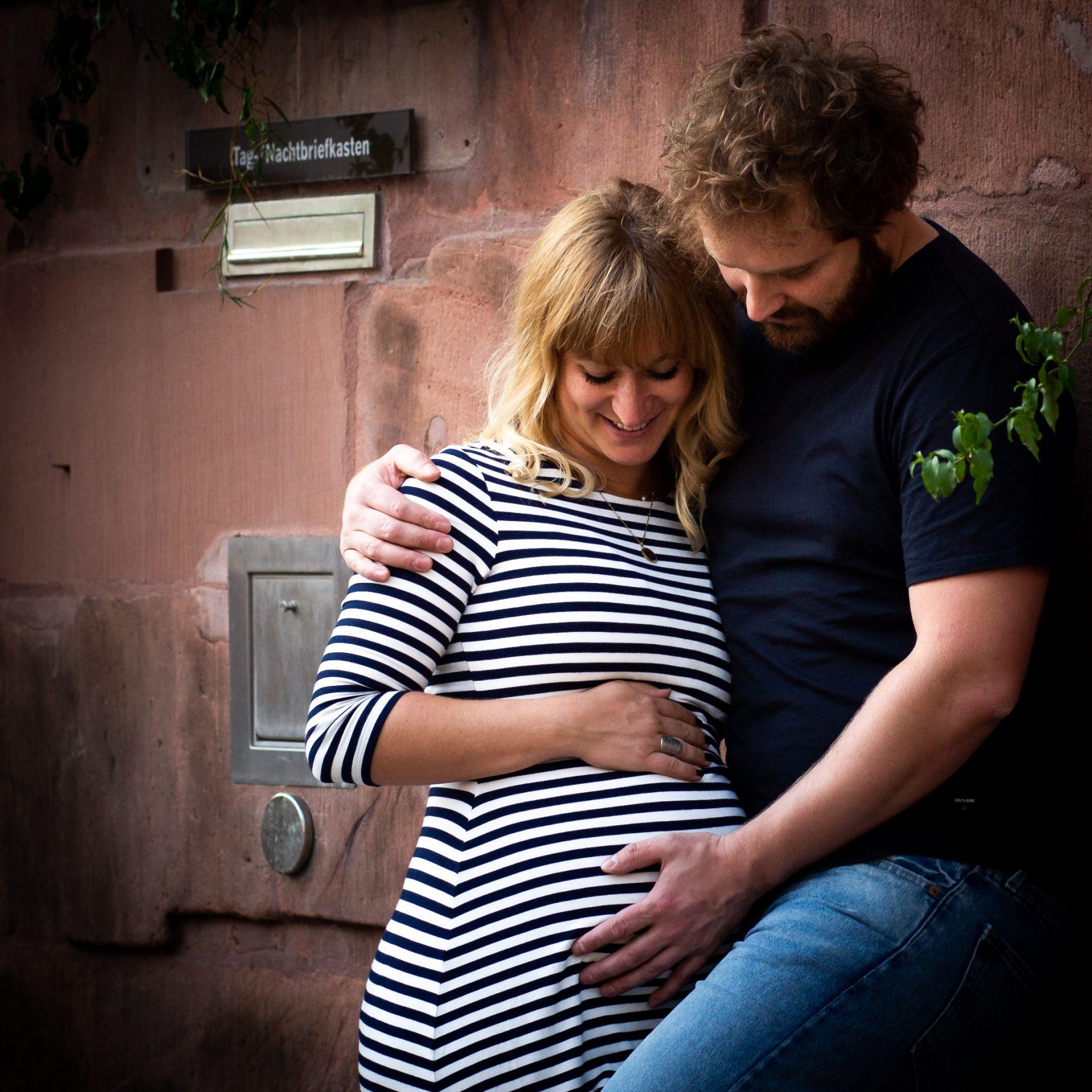 Zeit zu zweit, Zeit zu dritt - Paar mit Babybauch - Fotografin Anja Schnell